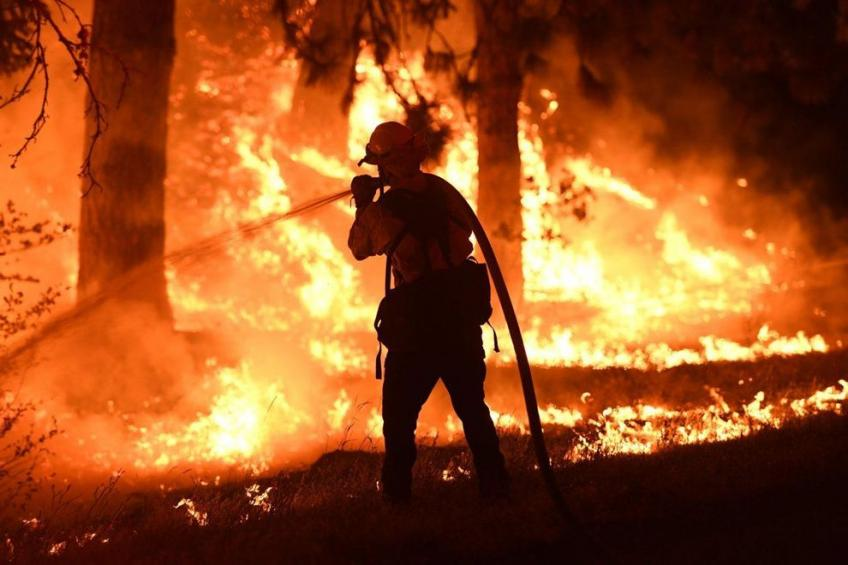 US wildfires: Thousands of evacuees in the Napa Valley